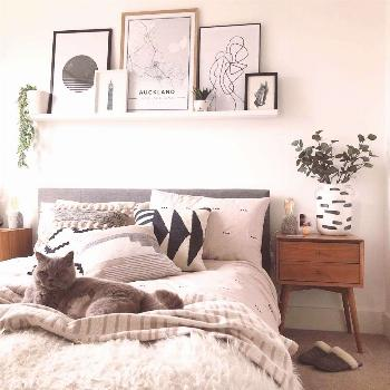 19 ways to style the blank space above your bed